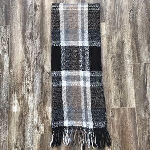 Cute monochromatic scarf